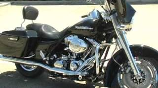 4. 2006 HARLEY DAVIDSON ROAD KING CUSTOM