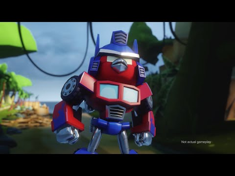 Angry Birds Transformers Comic-Con tr...
