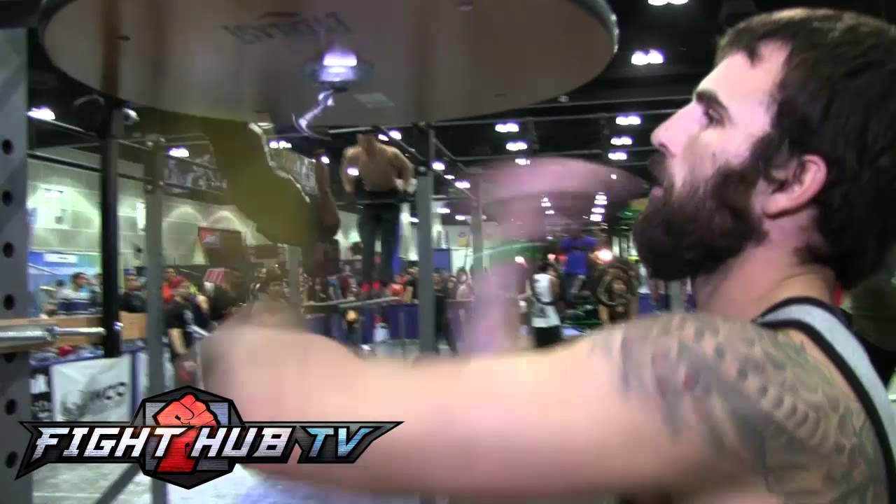 Mystery man performs craziest speed bag routine ever