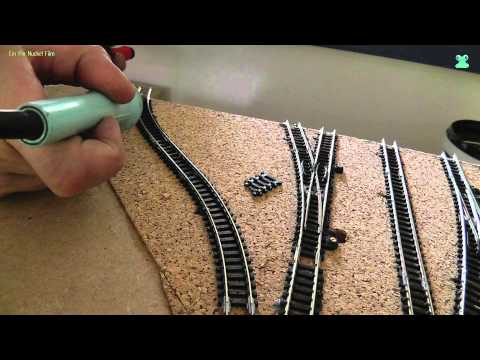 Modellbahn Spur N / 1:160 -  Teil 2 Aufbau der Gleise (Kork aufkleben, Gleise verlegen, ect.)