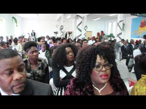Frère Nsimba dédicace pasteur Christian
