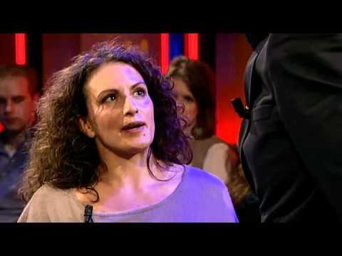 play video:Liza Ferschtman - De Wereld Draait Door - De minuut