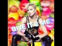 Madonna feat. Pharell - Give It 2 Me (Instrumental Karaoke Version)
