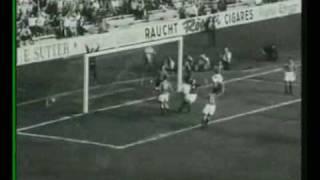 Josef Hügi trifft gegen Italien (WM 1954)