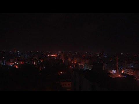 Η αεροπορία του Ισραήλ βομβαρδίζει τη Λωρίδα της Γάζας