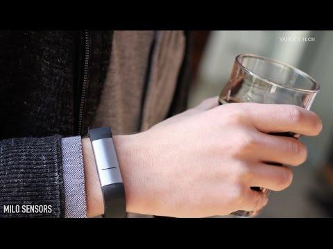 Esta pulsera con sensores indica cuánto alcohol podrías tomar