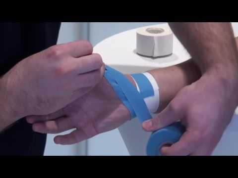 Sport-Tape für den Daumen zur Stabilisierung des Grundgelenkes