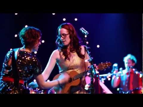 Ingrid Michaelson - Ingrid Michaelson mixes things up in this performance of
