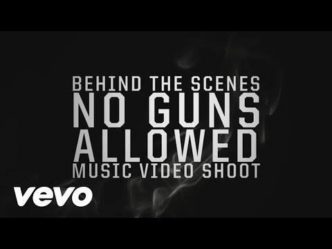 Snoop Dogg Ft Drake & Cori B – No Guns Allowed (Behind The Scenes)