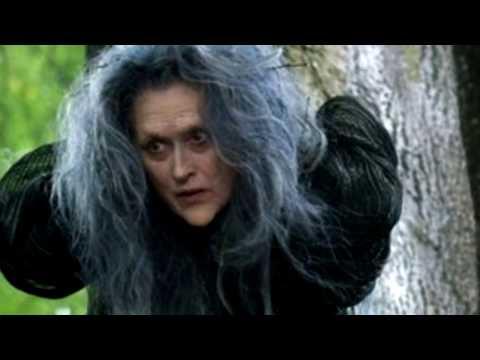 Ведьма в лесу.  Опасно ездить через лес.
