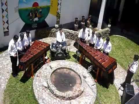 Cunen - Marimba Tz'unun Kaab' en la seccion Musica Maya y Nacional. Programa Tz'unun TV.