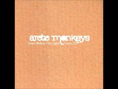 Arctic Monkeys - Put Your Dukes Up John (cover The Little Flames) lyrics