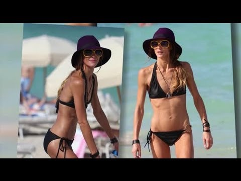 Sharni Vinson's Bikini Day Break Up Cure - Splash News