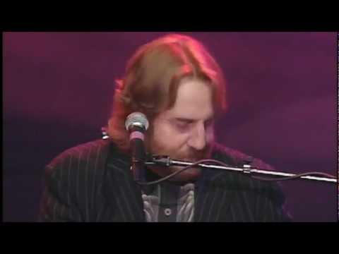 Andrew Gold - THANK YOU FOR BEING A FRIEND (Live)