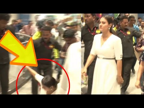 Kajol SLIPS While Walking In A Mall - OOPS Moment