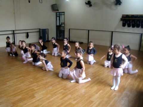 Ballet Guaçuí - baby class (a bailarina)