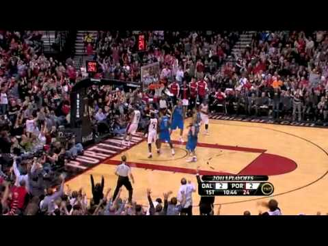 Game 3: Wallace to Matthews to Aldridge for the dunk