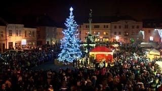 Vánoční strom rozzářil mohelnické náměstí