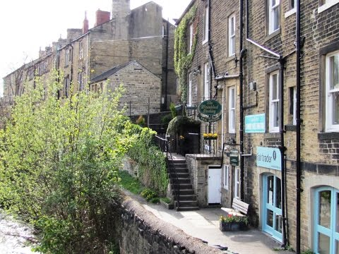 Holmfirth   Last of the Summer Wine Country round | west yorkshire  Walks