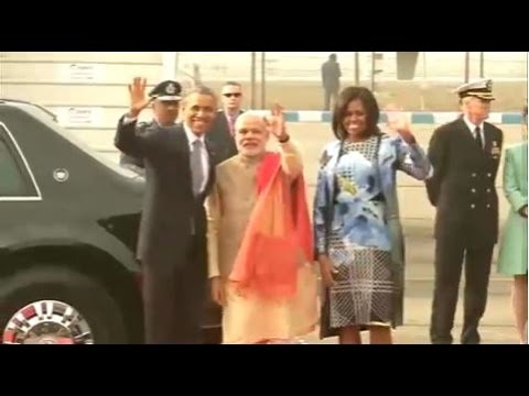 airport - The US President, Mr. Barack Obama & First Lady Michelle Obama being warmly welcomed by the Prime Minister, Shri Narendra Modi, in New Delhi on January 25, 2015.