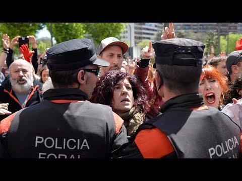 Οργή στην Ισπανία για την «αγέλη βιαστών» που έπεσε στα… μαλακά