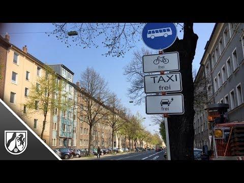 Erste Umweltspur in Düsseldorf eröffnet: Neben Bussen dürfen nur noch Fahrräder, Taxis & E-Fahrzeuge fahren
