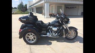 4. 2019 Harley-Davidson FLHTCUTH Tri Glide Ultra- Vivid Black