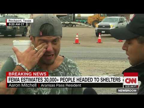 العرب اليوم - بالفيديو: رد فعل لشاب اكتشف نجاة والده من إعصار هارفي
