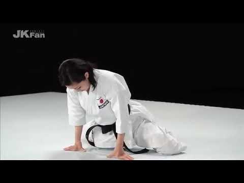 Karate _ Warm up by Rika Usami