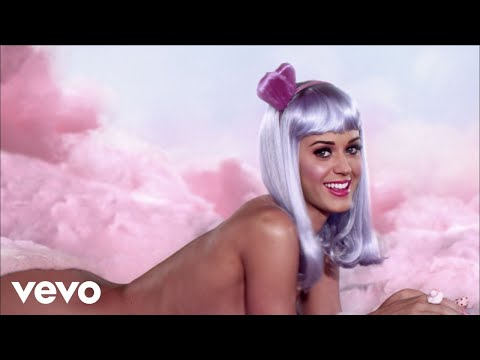 Katy Perry - California Gurls feat. Snoop Dogg