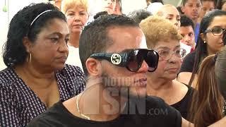 Parientes del joven que murió por cirugía estética someterán al propietario de la clínica