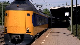 Bussum Netherlands  city photo : TRAINS: At Naarden Bussum Station (NETHERLANDS)