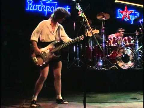 Telephone - Telephone Concert Festival Rockpalast 1983 Le Groupe : Jean-Louis Aubert Corine Marienneau Louis Bertignac Richard Kolinka Titres : 01 Crache Tou Venin 02 Fa...