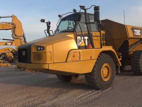 CATERPILLAR TOMBEREAUX ARTICULÉS 730C equipment video F5sa7nFZcR4