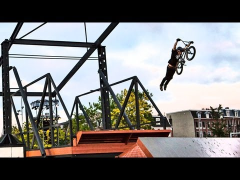BMX Park w/ Reacting Features - Red Bull Framed Reactions 2013 Amsterdam_A h�ten felt�lt�tt legjobb extr�msport vide�k
