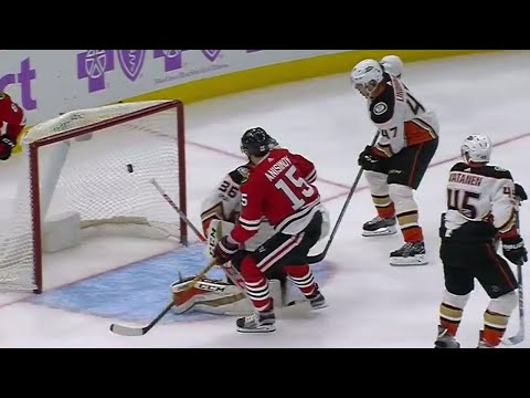 Video: Blackhawks' Anisimov tips puck out of mid air past Ducks' Gibson