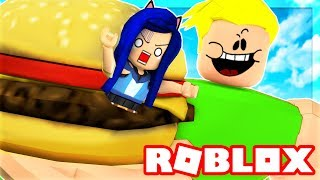 Video WE MUST ESCAPE THE ROBLOX DINER! I GET EATEN BY A GIANT!! MP3, 3GP, MP4, WEBM, AVI, FLV September 2018