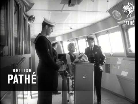 Canberra Makes First Trip & Dewarutji (1961)
