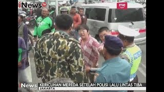 Video Tak Terima Mobilnya Ditabrak, Anggota TNI AL Marahi Pengendara Didepannya - iNews Pagi 18/10 MP3, 3GP, MP4, WEBM, AVI, FLV Oktober 2017