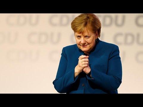 Merkels Abschied als CDU-Chefin: 10 Minuten stehende Ov ...
