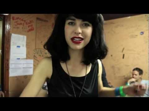 Kimbra - Learn About Kimbra's Tour Dresses
