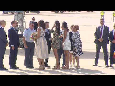 Malia la hija de obama sufre pequeño descuido culpa del viento