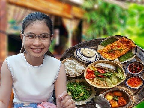 Vừa ăn vừa ngắm ruộng lúa ngay dưới chân toà nhà Bitexco Sài Gòn - Thời lượng: 10 phút.