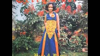 Download lagu Tetty Kadi Mawar Berduri Mp3
