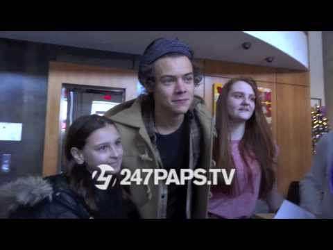 Styles - Checkout more #OneDirection videos on 247paps.tv - #HarryStyles and #KendallJenner Walking around with Hundreds of fans trying to get a picture with him , he...