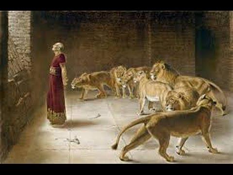 DANIEL OWN LION'S HEART WITH PRAYER