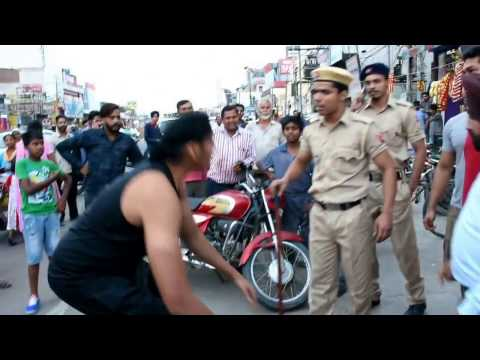 Video CWE Wrestler Shanky Singh Chokeslam to Police Constable Pandey. download in MP3, 3GP, MP4, WEBM, AVI, FLV January 2017