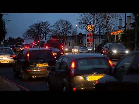 Βρετανία: Καταργεί τα οχήματα βενζίνης και ντίζελ από το 2040 – economy