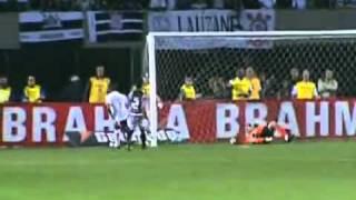 Em noite dos volantes, Timão faz 3 a 0 no São Paulo e fica a dois pontos do FluCom dois gols de Elias e um de Jucilei, Corinthians atropela o São Paulo, no Pacaembu, e volta a ficar perto da liderança do Campeonato Brasileiro