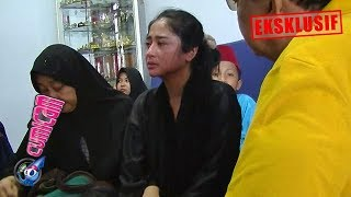 Video Hot News! Menangis Tak Henti Ayah Tiada, Dewi Perssik Nyaris Pingsan - Cumicam 10 Juni 2019 MP3, 3GP, MP4, WEBM, AVI, FLV Juni 2019